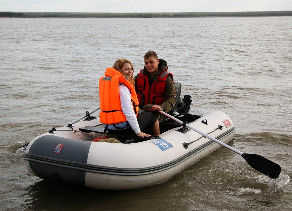 Лодка АЛТАЙ А320